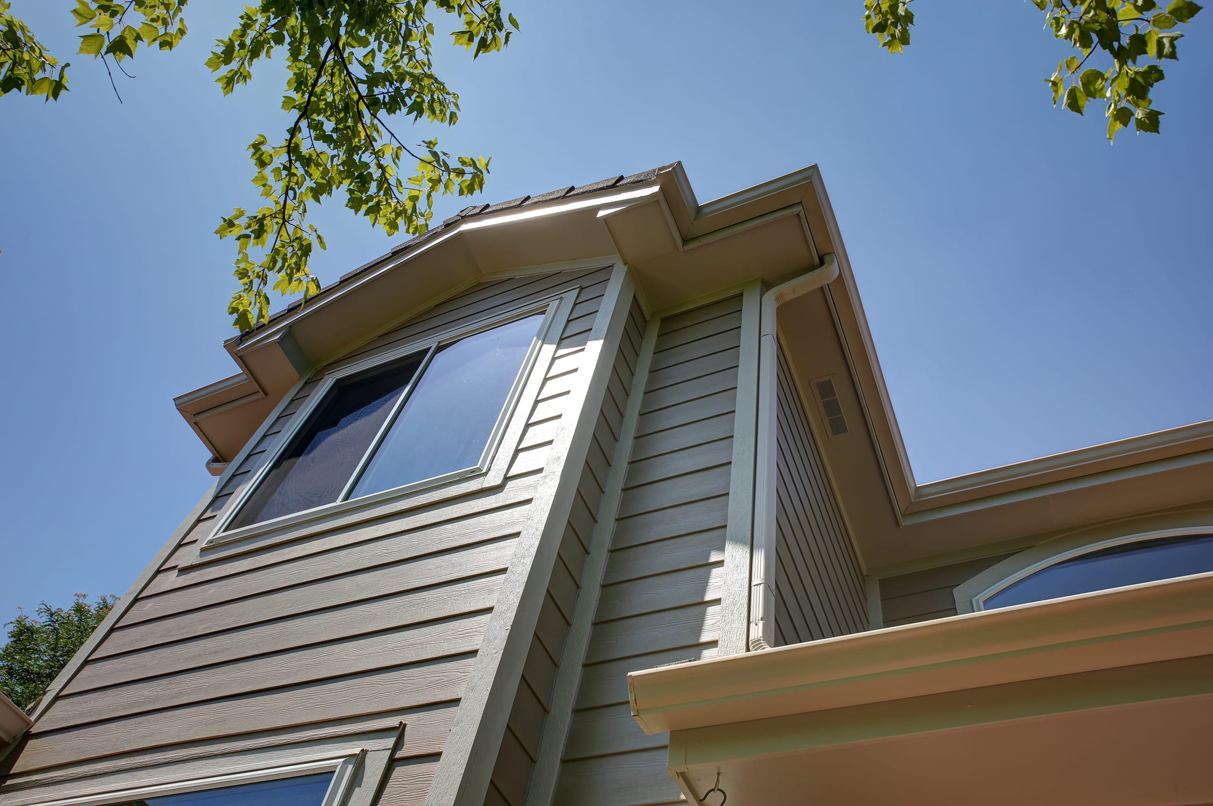 Looking for a Siding Contractor?